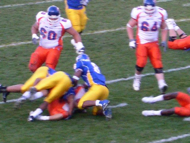 Ian_johnson_gets_injured